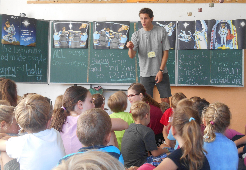 2014 Team Praha - teaching - photo from Kathleen Winslow