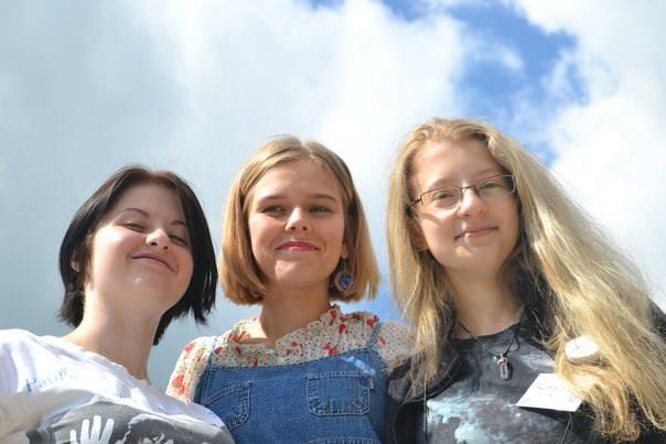 2015 Ukraine - David photo - 3 girls