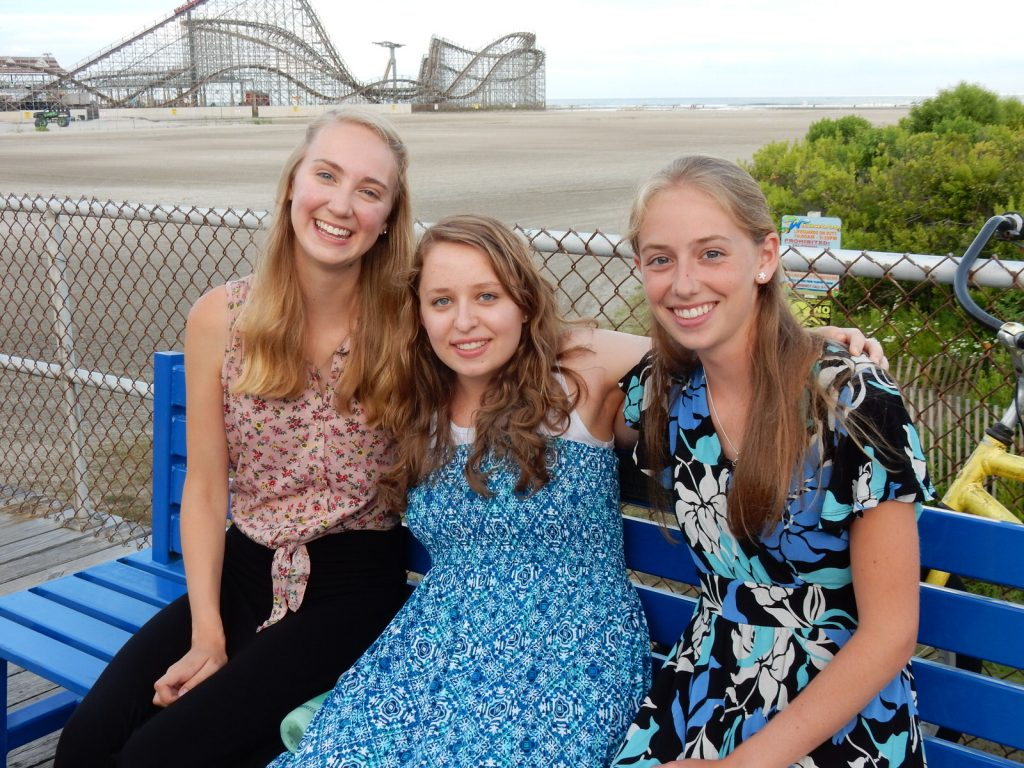 Alexandra Ramey, Theresa Smith, Susanna Buckley, Boardwalk Chapel 2015, photo by Janet B.